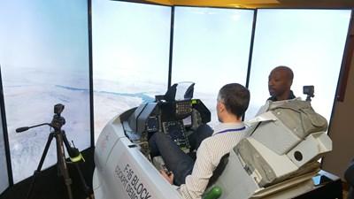 В София бе показан тренажор на F-16. СНИМКА: Йордан Симeонов
