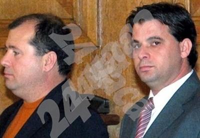 Рамез Шараф (вдясно) с брат си Газуан през 2005 г., когато подписват една от сделките си с Министерството на отбраната. СНИМКА: 24 часа