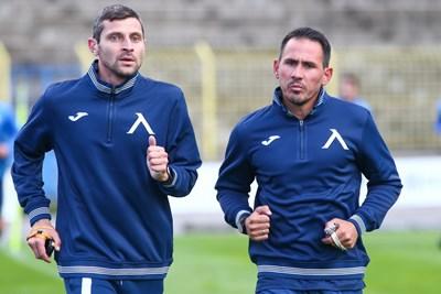 Живко Миланов води едва 13 футболисти в подготовката