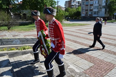 В честването се включи ученическият гвардейски отряд