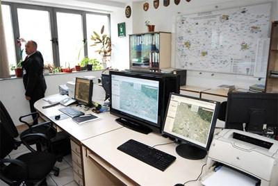 Много от ведомствата си поръчват ново компютърно оборудване. Изграждането на електронна връзка между митниците и НАП ще струва около 5,8 млн. лв.