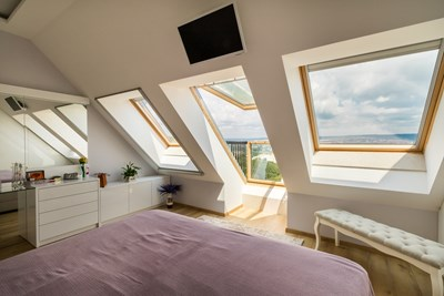 Да пуснеш прохладния морски бриз и соления дъх на морето през своя покривен прозорец