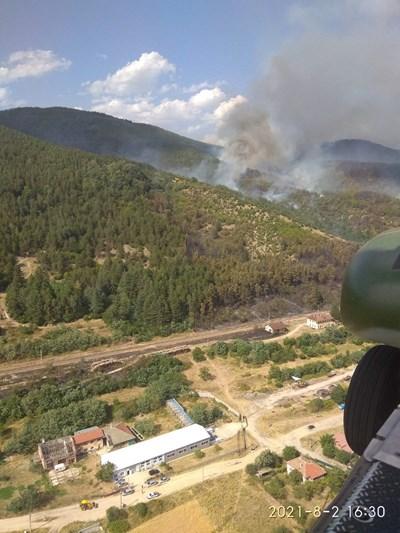 В област Пловдив изгоряха около 6500 декара.  СНИМКА: АНЕЛИЯ ПЕРЧЕВА