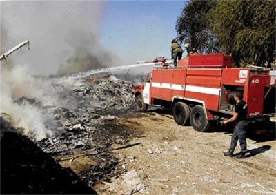 """Пламъците бяха угасени, но димът продължи да се вие над района до гара """"Филипово"""". СНИМКА: Атанас Кънев"""