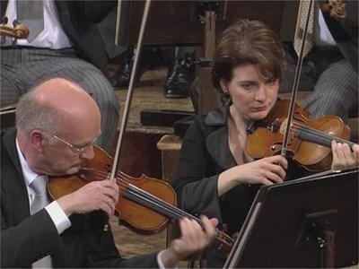 Албена по време на концерт на знаментития оркестър.