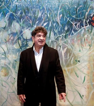 Греди Асса пред любимата си картина  СНИМКИ: ВЕЛИСЛАВ НИКОЛОВ