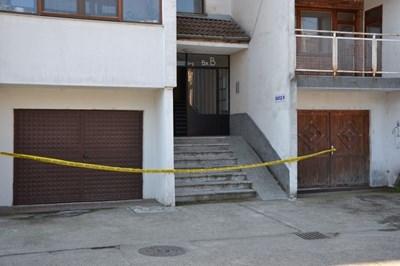 Кървавата трагедия се разиграла в понеделник в апартамент на последния шести етаж на блок в района на пазара. Снимки Авторът