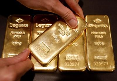 Златото поскъпва рекордно