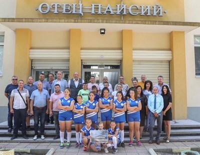 Кралев обяви първите 15 училища, в които ще се изграждат физкултурни салони