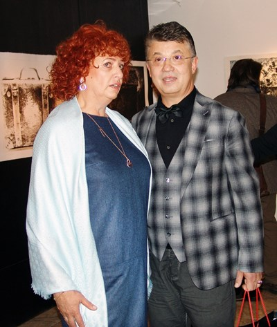 Мариела Гачевска и Людмил Георгиев, организатори и  спонсори на националния  конкурс за  графика СНИМКА: Личен архив
