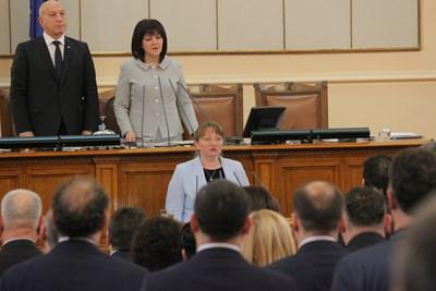 Деница Сачева се закле като социален министър в парламента вчера. СНИМКА: РУМЯНА ТОНЕВА