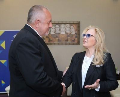 Френската звезда с български корени Силви Вартан се срещна с министър-председателя Бойко Борисов СНИМКИ: Правителствена пресслужба