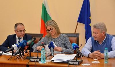 На 9 май в министерството на транспорта бяха отворени офертите на петте кандидати за концесията на летище София.