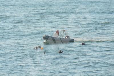 Водолази още търсят тялото на едно от двете деца, паднали от вълнолома във Варна. Снимка Лиляна Трънкова СНИМКА: 24 часа