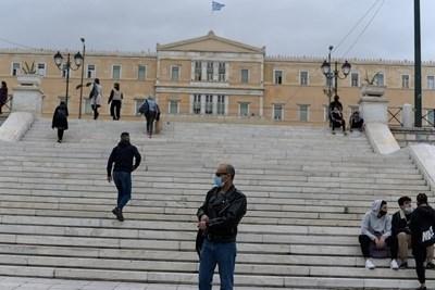 Гърция ще удължи до 7 декември националната карантина заради коронавируса, след като случаите на COVID-19 в страната продължават да нарастват СНИМКА: Ройтерс
