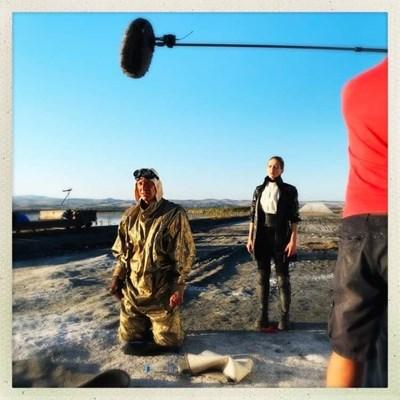 Деян Донков снима сцена от лентата.