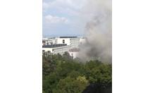 Аспиратор запали китайски ресторант в София, пламна и покривът (Снимки, обновена)