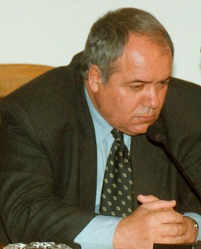 Почина писателят Александър Томов, издъхнал в креслото пред телевизора