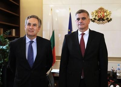 Министър-председателят Стефан Янев проведе среща с посланика на Кралство Испания в София Алехандро Поланко Мата. Снимки: Министерски съвет