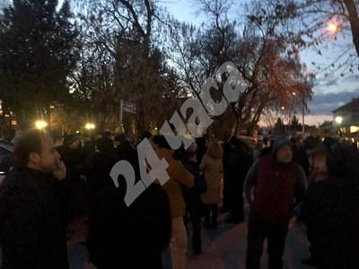 Протестиращете във Войводиново СНИМКА: Калина Паскалева