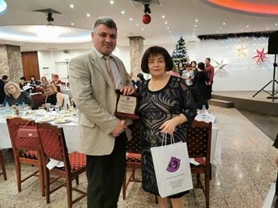 Наградата на кмета на Челопеч бе връчена лично от Янка Такева
