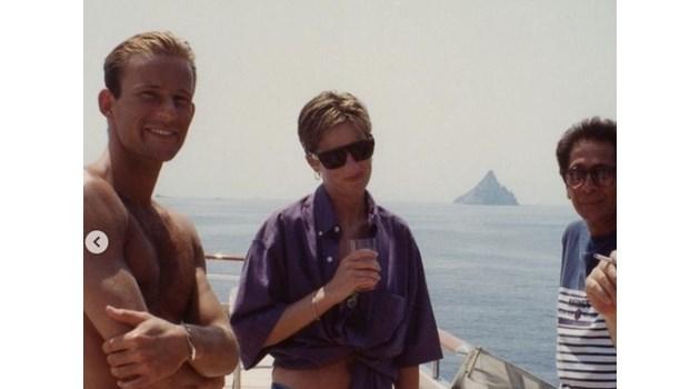Непоказвана снимка на принцеса Даяна с княз Кирил на яхта през 1990 г.