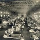 Претъпкана полева болница по време на пика на епидемията.