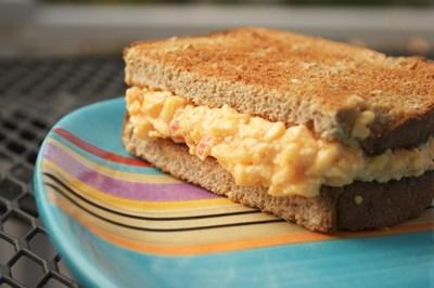 Нещо вкусно: Неизпробвани рецепти със сирене