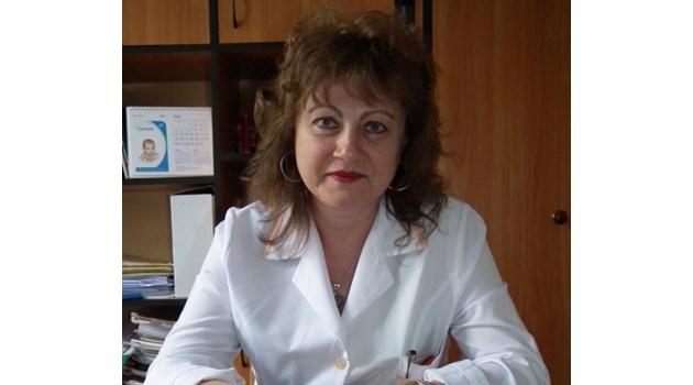 Лекарка от Враца и баща ѝ си отидоха за ден, 19 заразени медици в онкодиспансера там (Обзор)