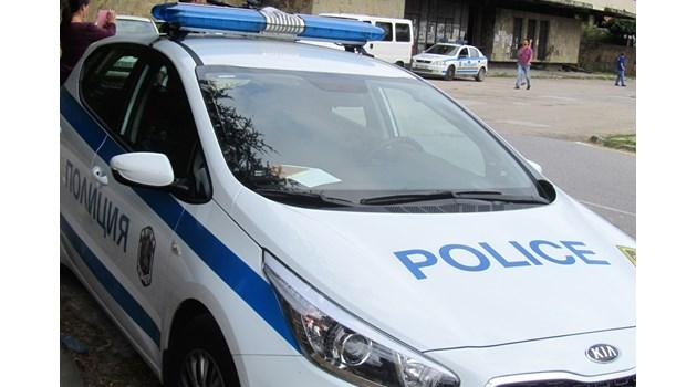 Арестуваха осъждан, заплашил с нож млада жена в Свищов