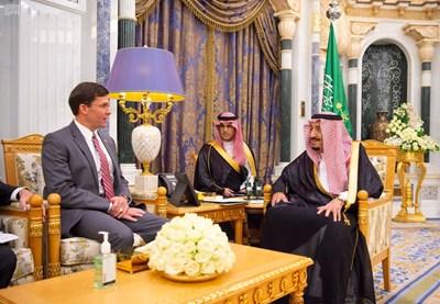Марк Еспър в Саудитска Арабия СНИМКА: Ройтерс
