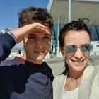 Яна изпрати сина си Никола преди няколко дни на летището.  СНИМКА: ОФИЦИАЛЕН ПРОФИЛ НА АКТРИСАТА ВЪВ ФЕЙСБУК
