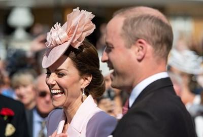 Принц Уилям и съпругата му Кейт на традиционното Чаено парти СНИМКИ: Ройтерс