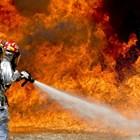 Пожар в петролна рафинерия във Франция