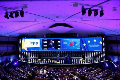 Кандидатът на Европейската народна партия за следващ председател на ЕК Манфред Вебер говори при обявяването на резултатите от вота в Брюксел. СНИМКА: РОЙТЕРС