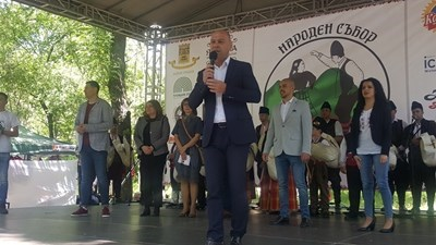Костадин Димитров лично ще участва в почистването.