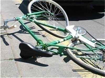 Шофьор блъсна 12-годишен на колело в Разград, счупи му носа и ръката