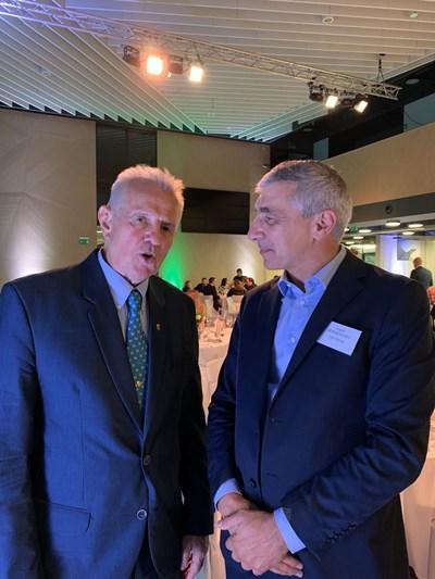 Ивайло Дерменджиев разговаря с бившия президент на Унгария Пал Шмит, двукратен олимпийски шампион по фехтовка.
