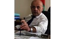Радев не е чиновник, има право да задава въпроси