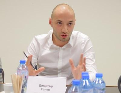 Димитър Ганев, политолог: Защо в гръб? Изнервяне - това е етап 2 на кризата