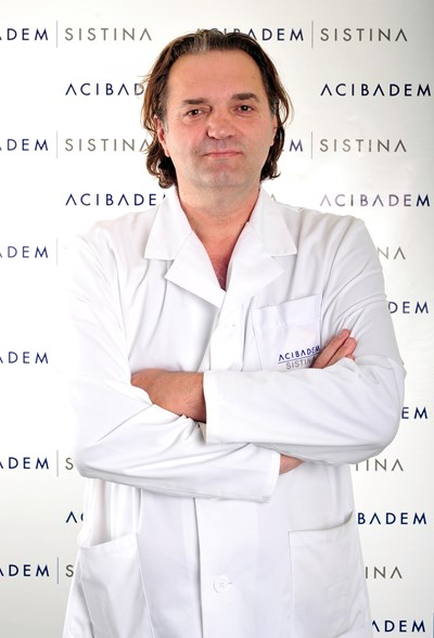 """Проф. Александър Сайковски, доктор по педиатрия и интензивно лечение, болница """"Систина"""", Скопие"""