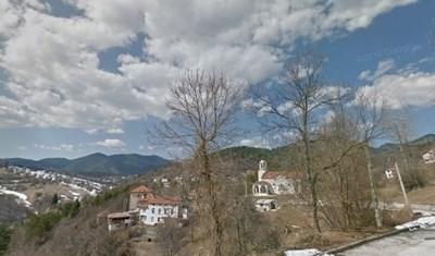 """От село Турян заявяват, че в последните години няма изгубил се човек, който да е издирван. Снимка """"Гугъл стрийт вю"""""""