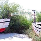 Непосредствено до нарочения за приватизация военен имот е рибарското пристанище.