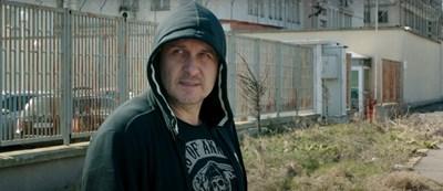 Асен Блатечки отново като лошо момче, но не във филм, а във видеоклип (Видео)