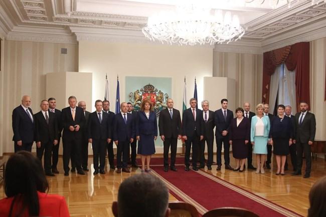 Новото служебно правителство бе представено от президента Румен Радев. СНИМКИ: НИКОЛАЙ ЛИТОВ