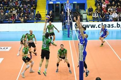 "Диагоналът на ""Добруджа 07"" Жулиен Георгиев отново бе на ниво за своя тим. СНИМКА: Lap.bg"