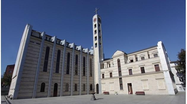 Чудо пази 60 години от комунисти място за катедрала