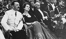 Хитлер се спасява над 50 пъти от смъртта. Сталин отменя убийството му
