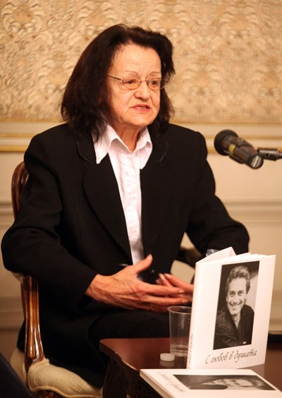 Теодора на представянето на книгата в Народния театър  СНИМКИ: РУМЯНА ТОНЕВА