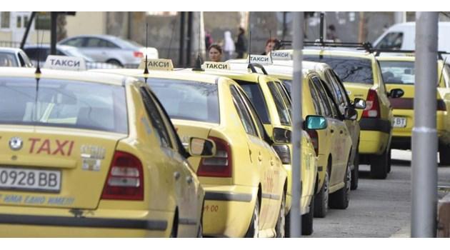 Таксиджия надмина и най-лудото ми въображение за абсурд